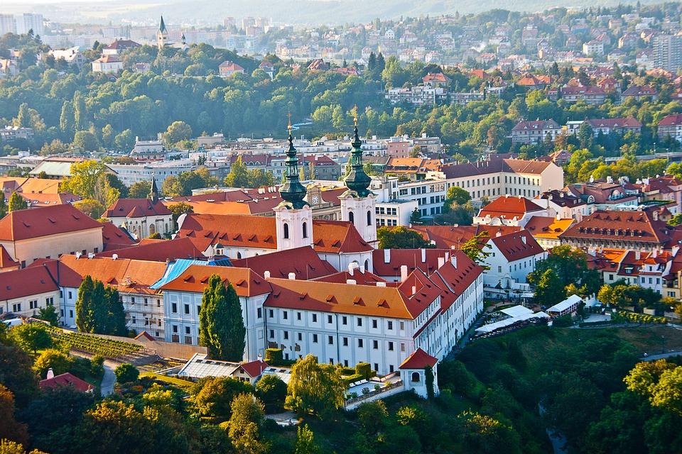 Tłumacz czeski - jakościowa oferta tłumaczeń