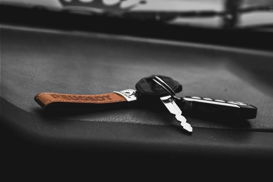 Tłumaczenie dokumentów samochodowych z czeskiego - o czym warto pamiętać?